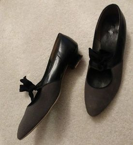 Vintage 40s leather Mary Jane flats by Cammeye